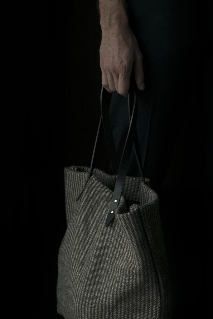 Wool tote 01